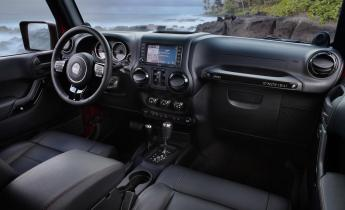 jeep-wrangler-interior-7